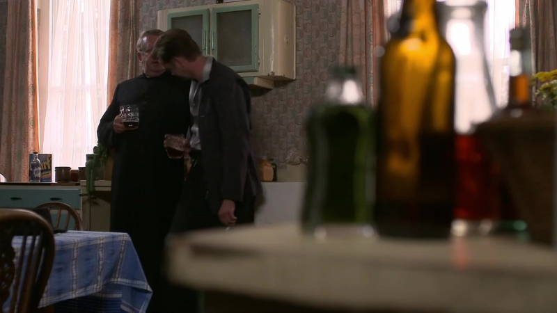 Father Brown (2013). S04E08. The Resurrectionists.