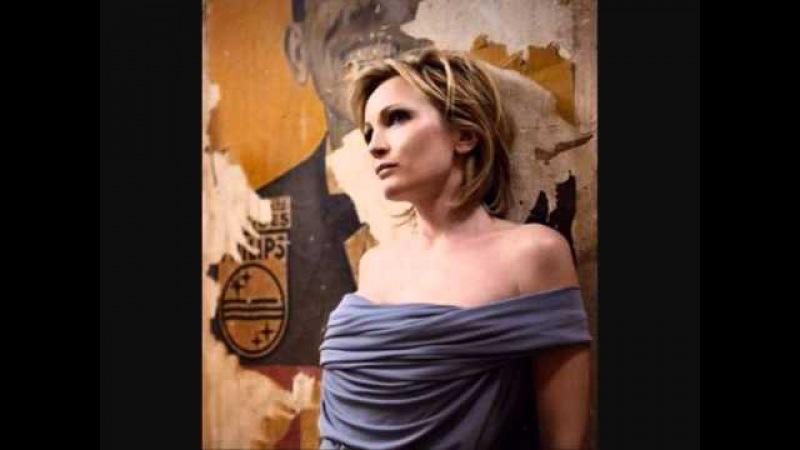 Patricia Kaas- Il me dit que je suis belle.wmv