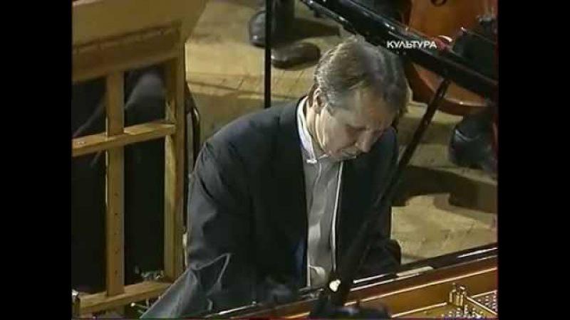 Mikhail Pletnev Plays Chopin Piano Concerto No. 1 in E minor, Op. 11