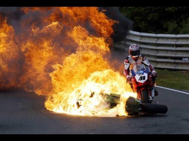LOS PEORES ACCIDENTES DE MOTO GP AWESOME CRASH MOTO GP HD
