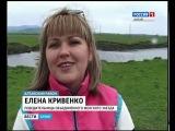 Девушки-водители приняли участие в гонках на внедорожниках по болотистой местности на Алтае