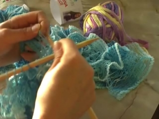 Шарфики из ленточной пряжи. Вязание на спицах.