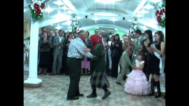Buneii mei sint cei mai buni dansatori