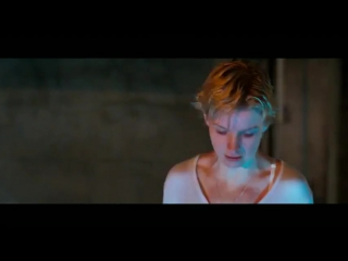 Глубокое синее море (1999) супер фильм 7.3/10