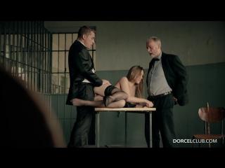 Трахают заключенную в тюрьме фото 444-800
