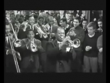 Battle Royal scene - Louis Armstrong, Sidney Poitier, and Paul Newman (360p) (via Skyload)
