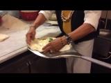 Как готовят пиццу в Неаполе