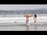 Нудисты на пляже (18+)_HD