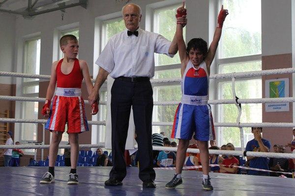 Спортсмены из Зеленчукского района призеры открытого турнира по боксу