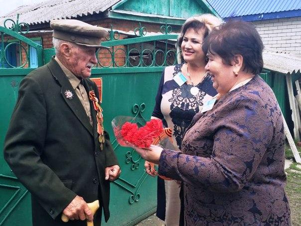 Сотрудники Зеленчукского Управления ПФР посетили Алексея Ивановича Горина