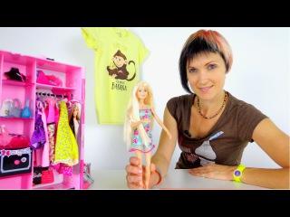 Новое новогоднее платье для Барби. Маша и Барби идут в магазин. Видео для девочек.