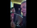 Александр Дюмин и Алексей Симонов под гармонь