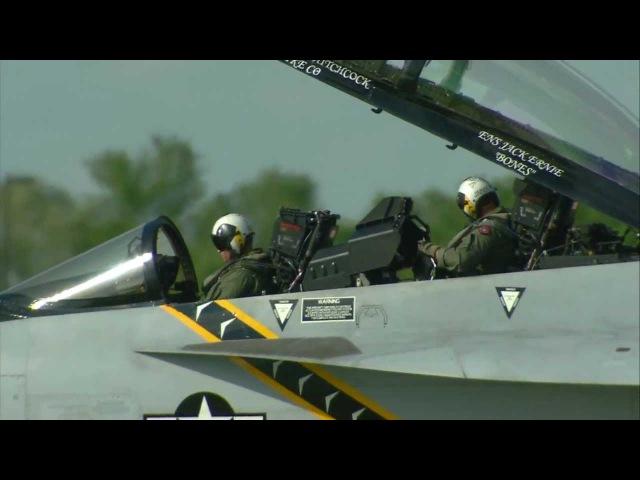 2011 Fargo Air show - F/A-18E From VFA-122 &F/A-18F from VFA-103 going home