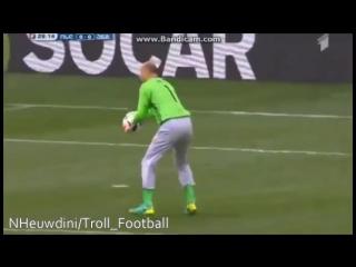 40-летний венгр Габор Кирай - самый крутой кипер Евро-2016