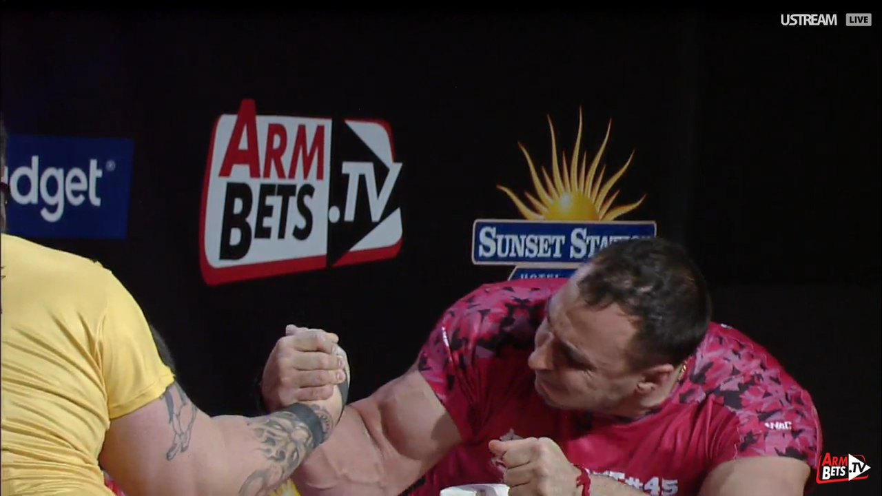Tim Bresnan vs. Alexey Voevoda, Armfight 45 Vendetta in Vegas, 26 February 2016 │ Image Source: Armwrestling / Armwrestling / armsportu home
