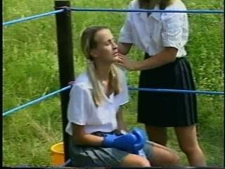 Brutal DWW Garden Boxing Eva Vs Antonia