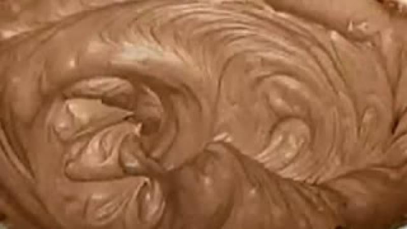 Шоколадный крем. Рецепт шоколадного крема. Рецепты кремов видео. Рецепт крема со сгущенкой.