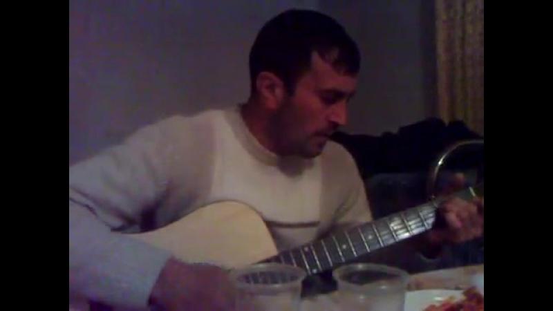 Песня на гитаре на иронском_ кударском и дигорском.