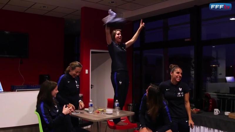 En pleine prépa pour les JO, les Bleues n'ont pas loupé une miette de la qualification des joueurs de D.Deschamps!🇫🇷