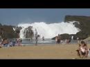 Огромные волны на пляже в Пуэрто-Рико
