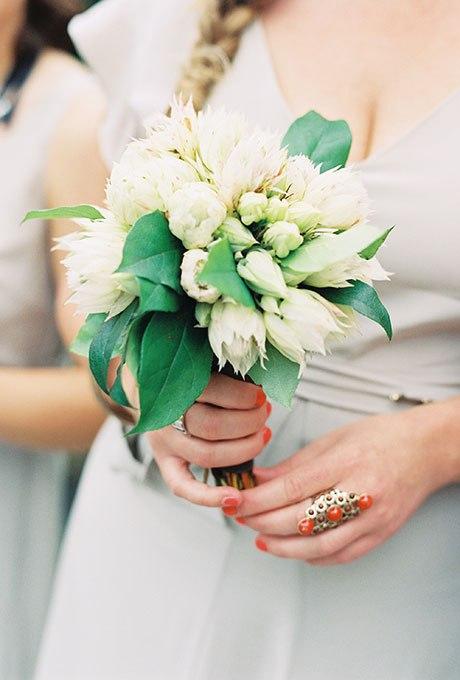 vSi1PX6NTzI - Небольшие свадебные букеты невесты (30 фото)