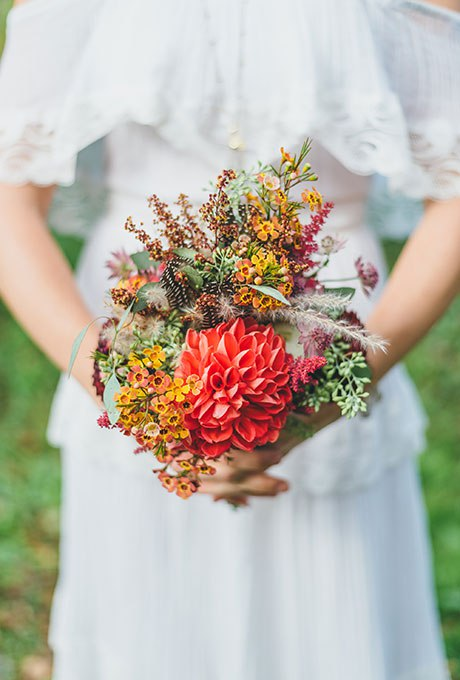 QZfbLTbbUso - Небольшие свадебные букеты невесты (30 фото)