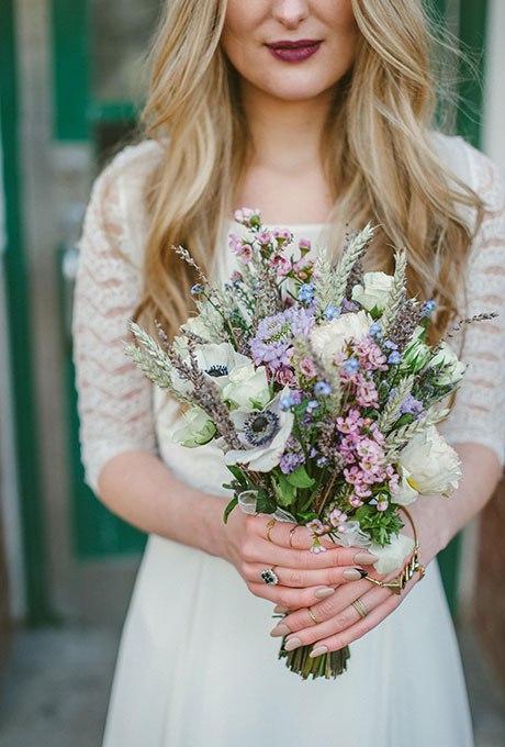 WjrHC3CWyu0 - Небольшие свадебные букеты невесты (30 фото)