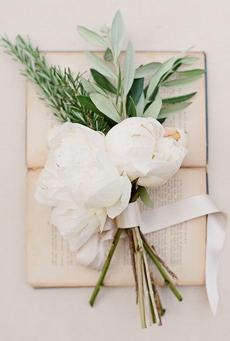 uLOZDn23s6M - Небольшие свадебные букеты невесты (30 фото)