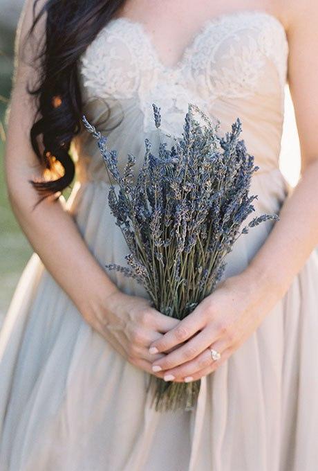0EhTCu4gpHU - Небольшие свадебные букеты невесты (30 фото)