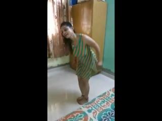 Indian Desi dance girl Rajasthani music ( 480p )