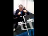 отработка чувства равновесия и техники  бокового удара