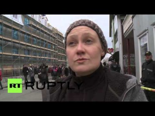 Исландия: Протесты продолжаются в Рейкьявике, как уходит в отставку Премьер-Министр Гюннлёйгссон.