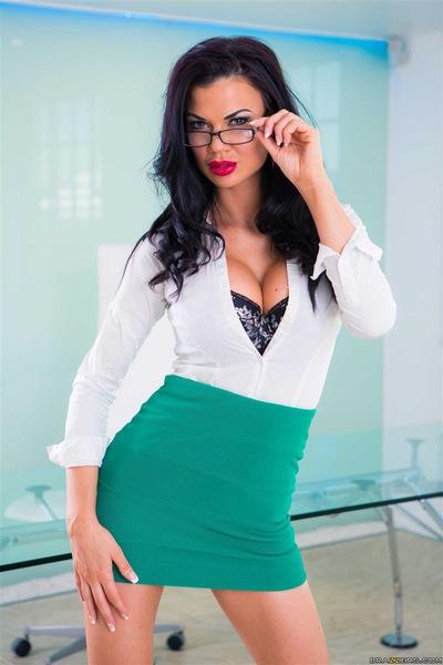 Buxom brunette secretary Jasmine Jae letting large tits loose at work № 403302 загрузить