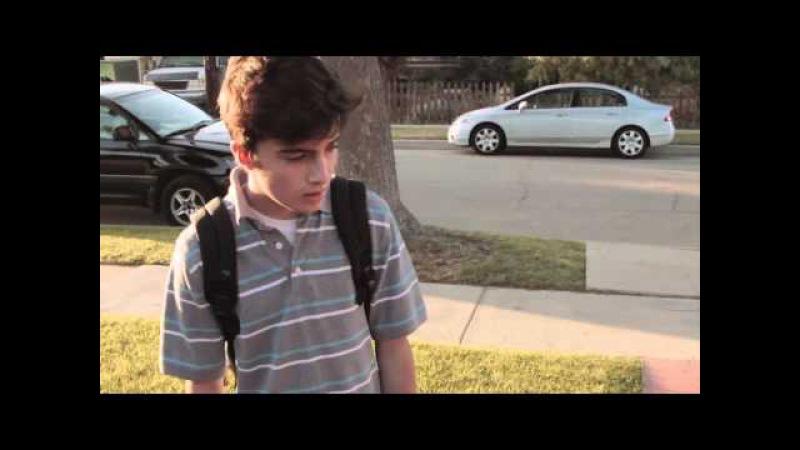 Подростка-гея не приняли родители (субтитры)