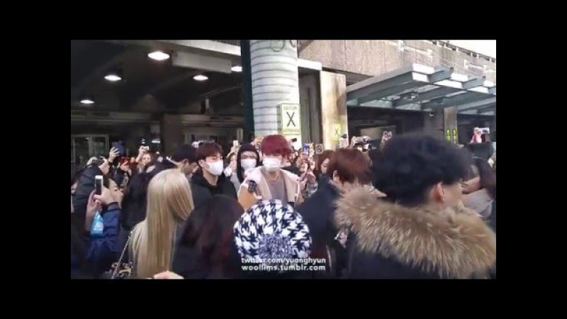 160106 INFINITE ARRIVAL AT YVR VANCOUVER INTL AIRPORT