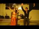Русский турист сделал восточную девушку по танцам)