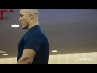 Открытая тренировка Джуниора дос Сантоса перед UFC on FOX 17