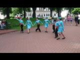 младшая группа Ансамбля Айреник с танцем