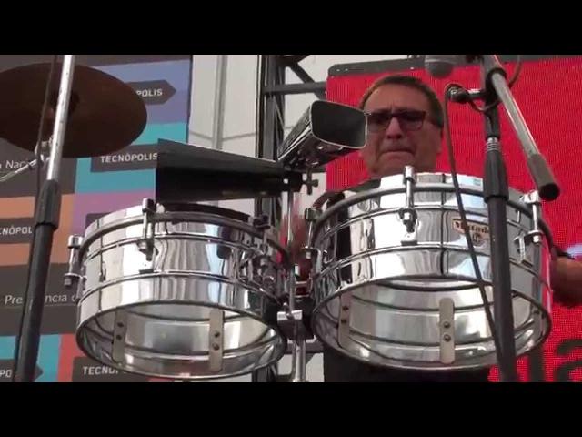 Alex Acuña (Perú) Richie Flores (Puerto Rico). Descarga de timbal y congas. Toque.