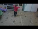 Ха Артёмка танцует и дедушка с права