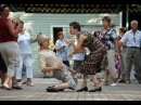 Люди танцуют. ТОП Сборник клип. Смешные танцы и танцоры, прикол. или Потанцуем крабика.