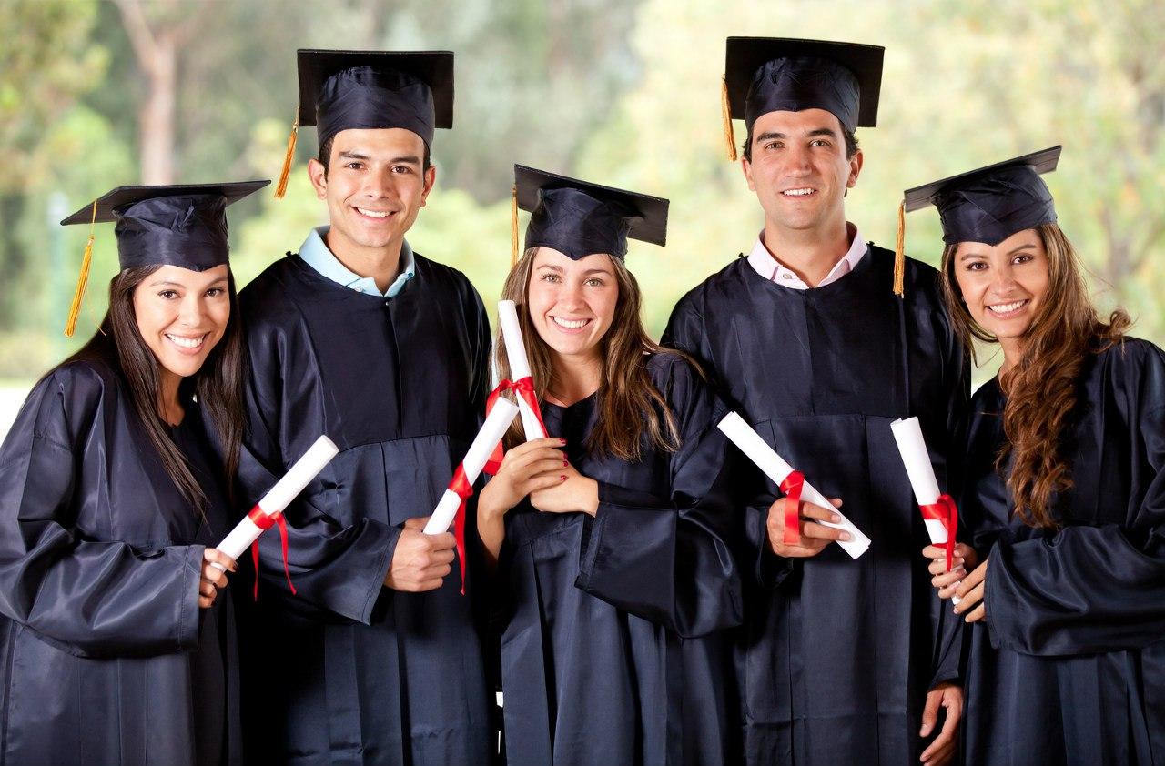 Практика или теория: бывшие студенты о том, стоит ли высшее образование того