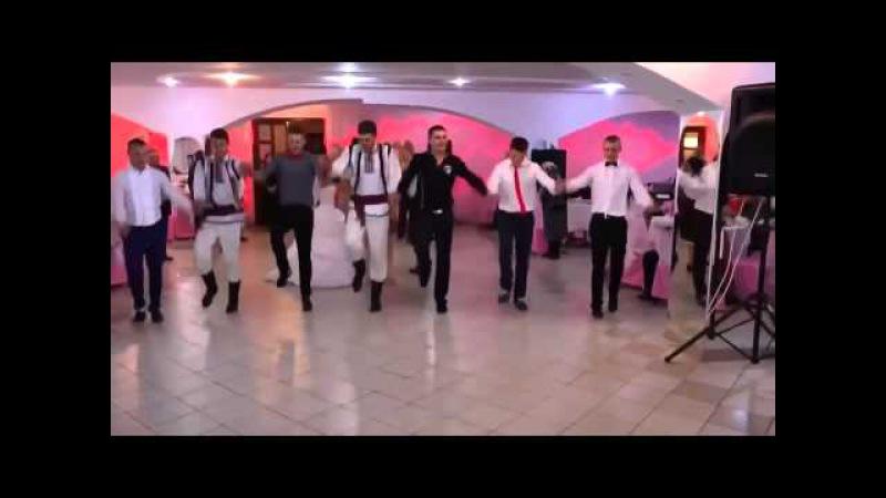 Народные танцы на свадьбе