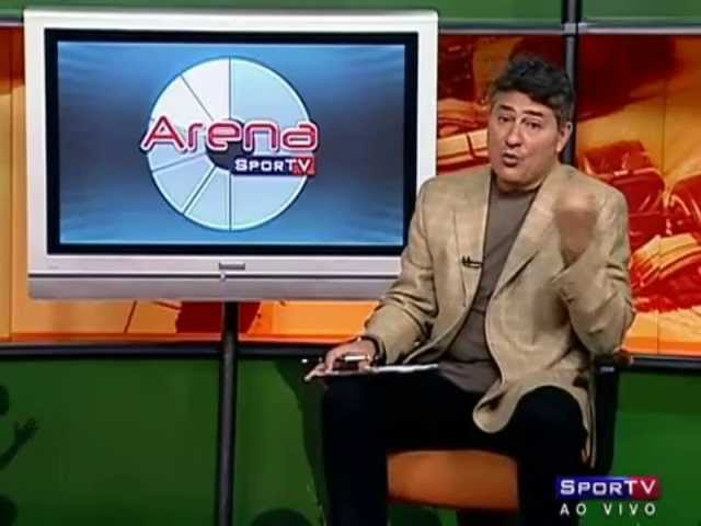 Cléber Machado queima a língua ao falar do Flamengo