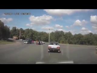 Авто приколы 2016 подборка #3  ! ДТП ! драки на дороге ! Опасные быки ! Блондинки за рулем !