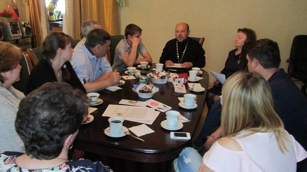 В станице Зеленчукской проводятся беседы для молодых пар, готовящихся вступить в брак