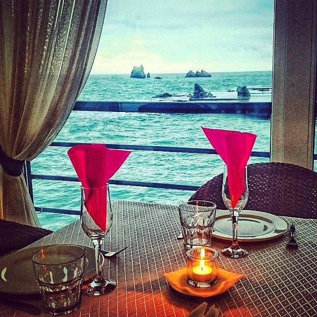 Романтический вечер у моря