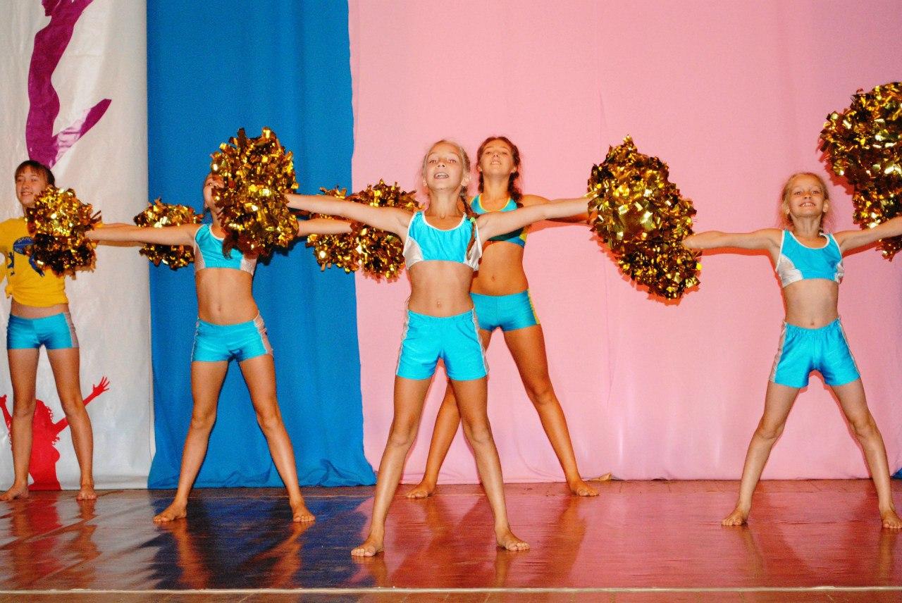Юные гимнастки cherries 7 фотография