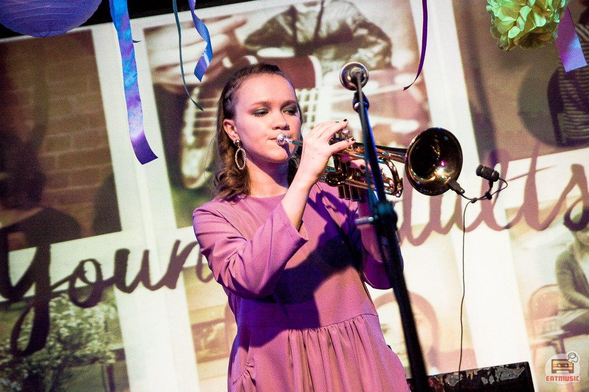 Концерт Young Adults в 16 Тонн