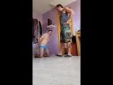 master kicks slave